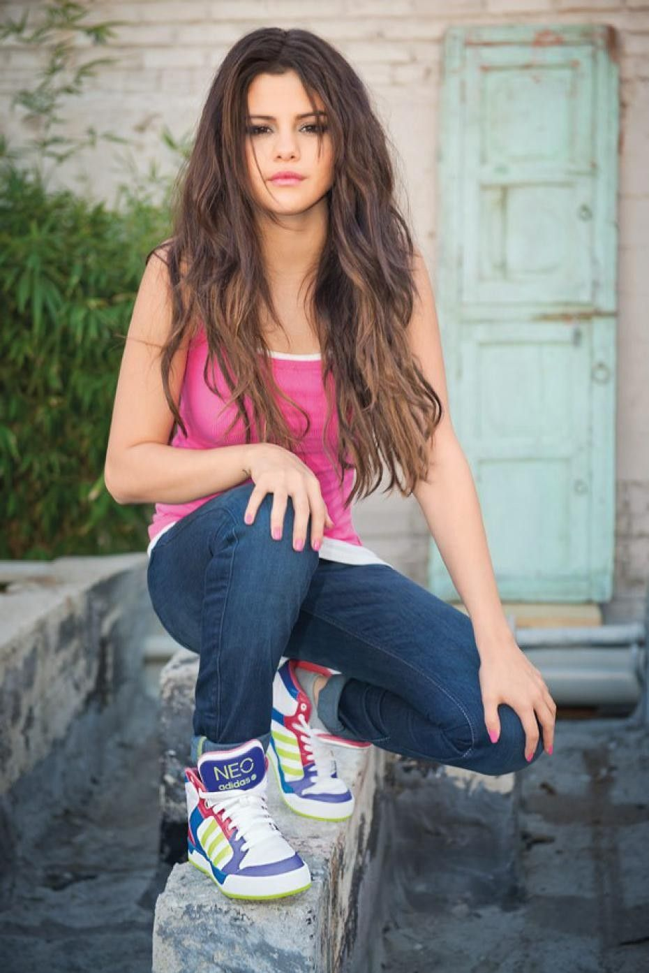 download Latest Images of Selena Gomez Download New 930x1393
