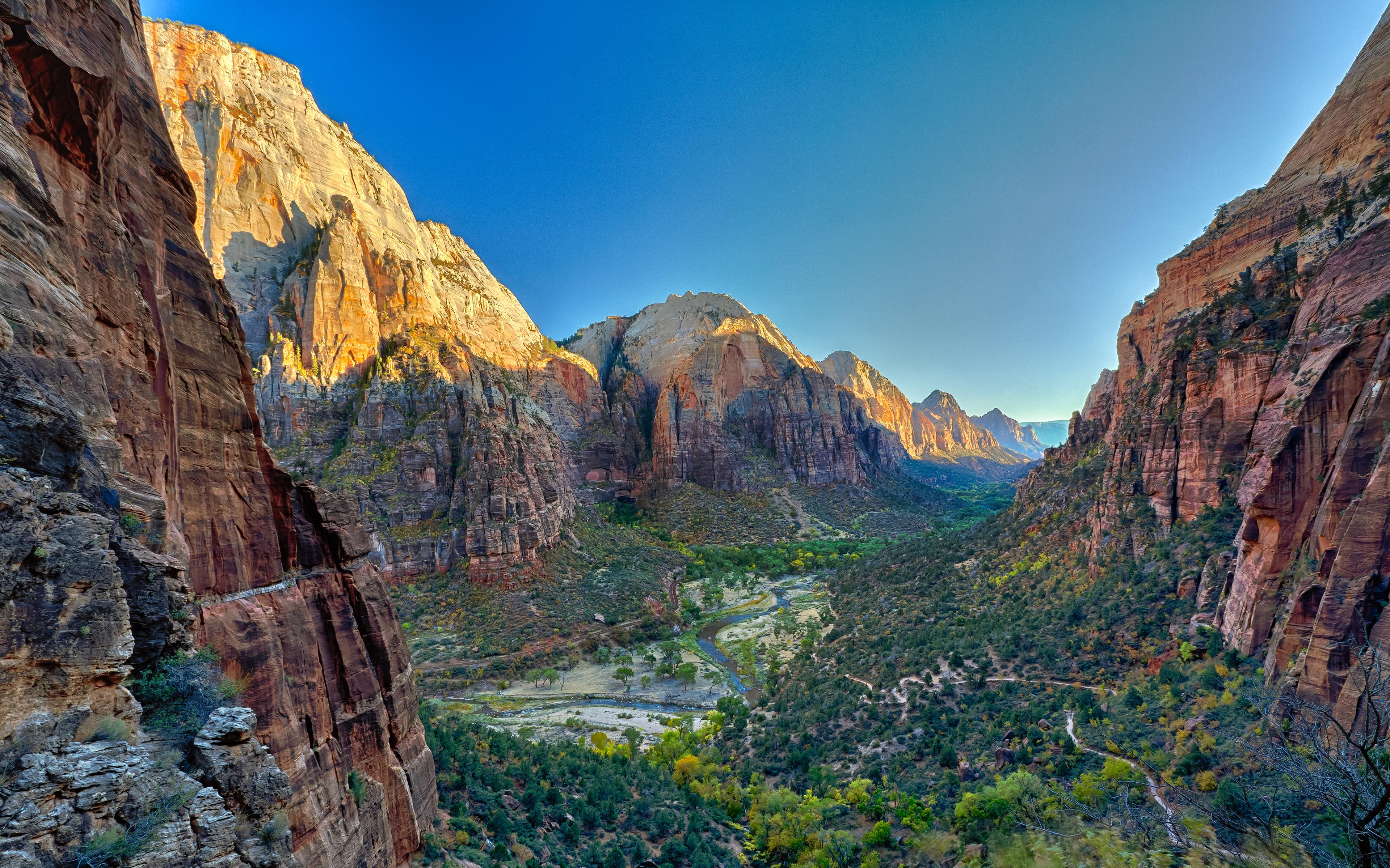 природа река горы скалы деревья облака  № 3796755 загрузить