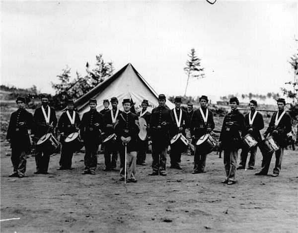 Union Regimental Fife and Drum Corps 600x469