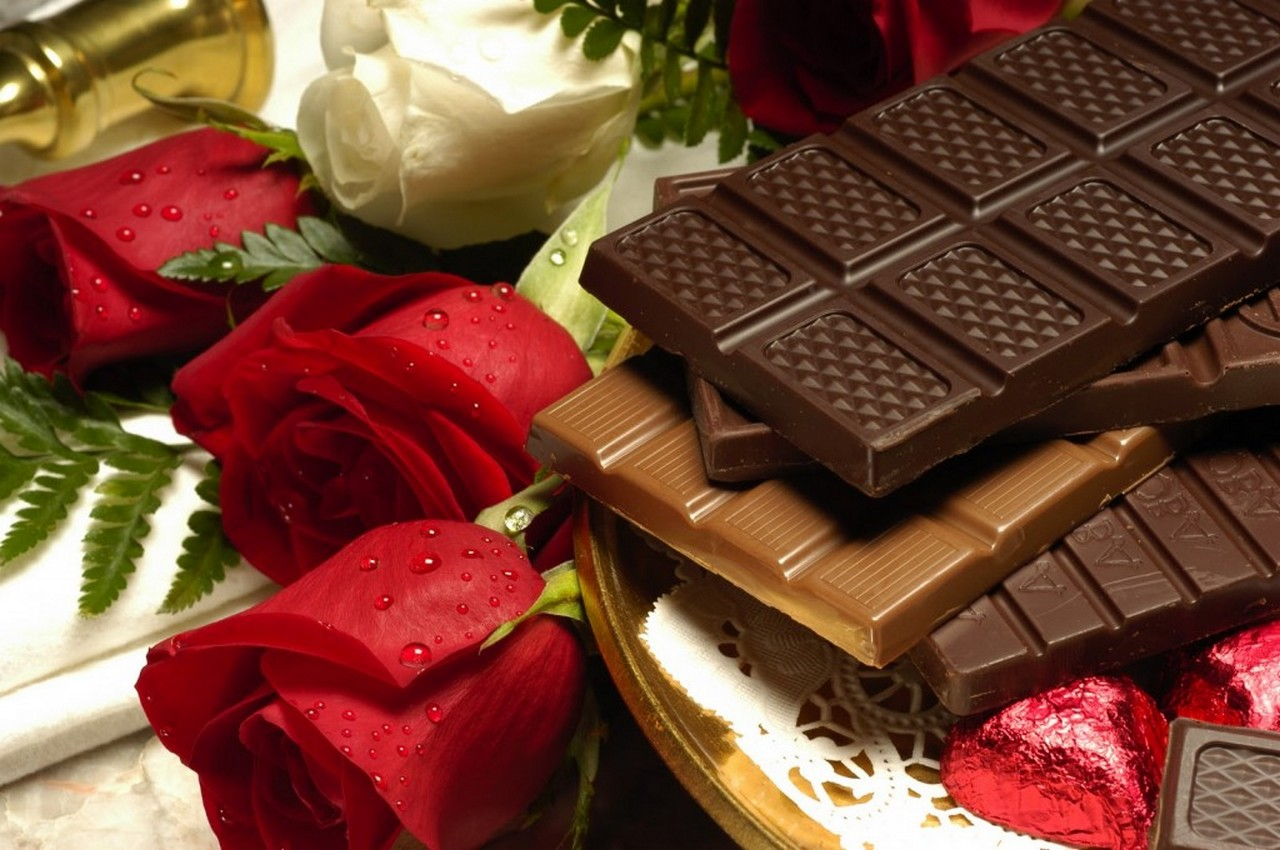 Valentine day chocolate HD wallpaper Chocolate Pictures and photos 1280x850