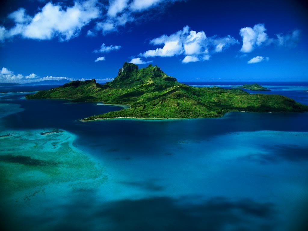 World Visits Paradise Island Wallpaper Review 1024x768