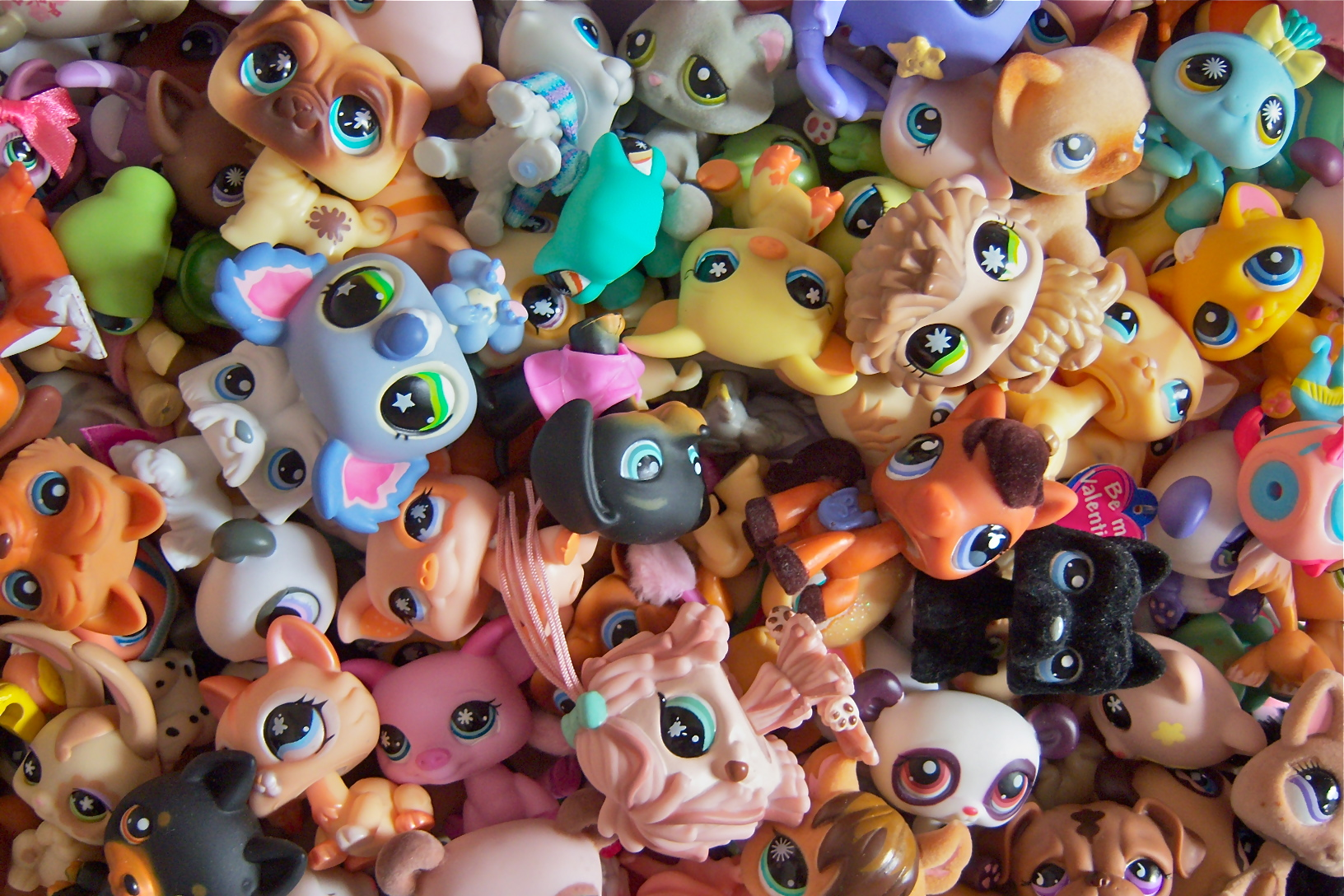 Littlest Pet Shop lps 1632x1088