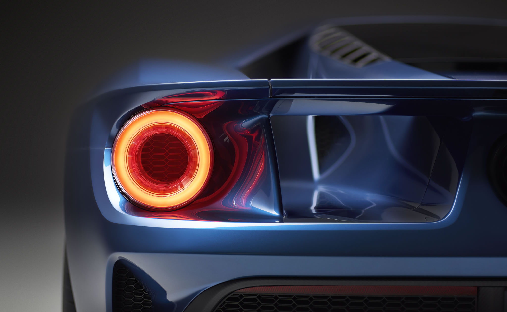 2017 Ford GT   detail photo taillight size 2048 x 1262 nr 811 2048x1262