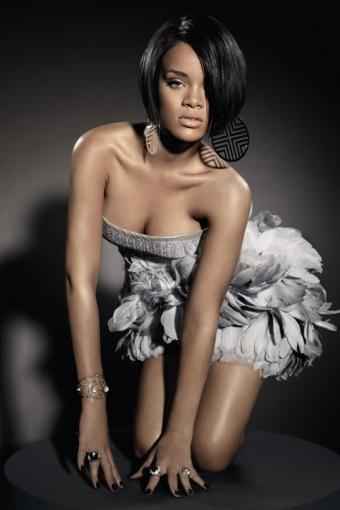 Rihanna iPhone HD Wallpaper iPhone HD Wallpaper download iPhone 340x510