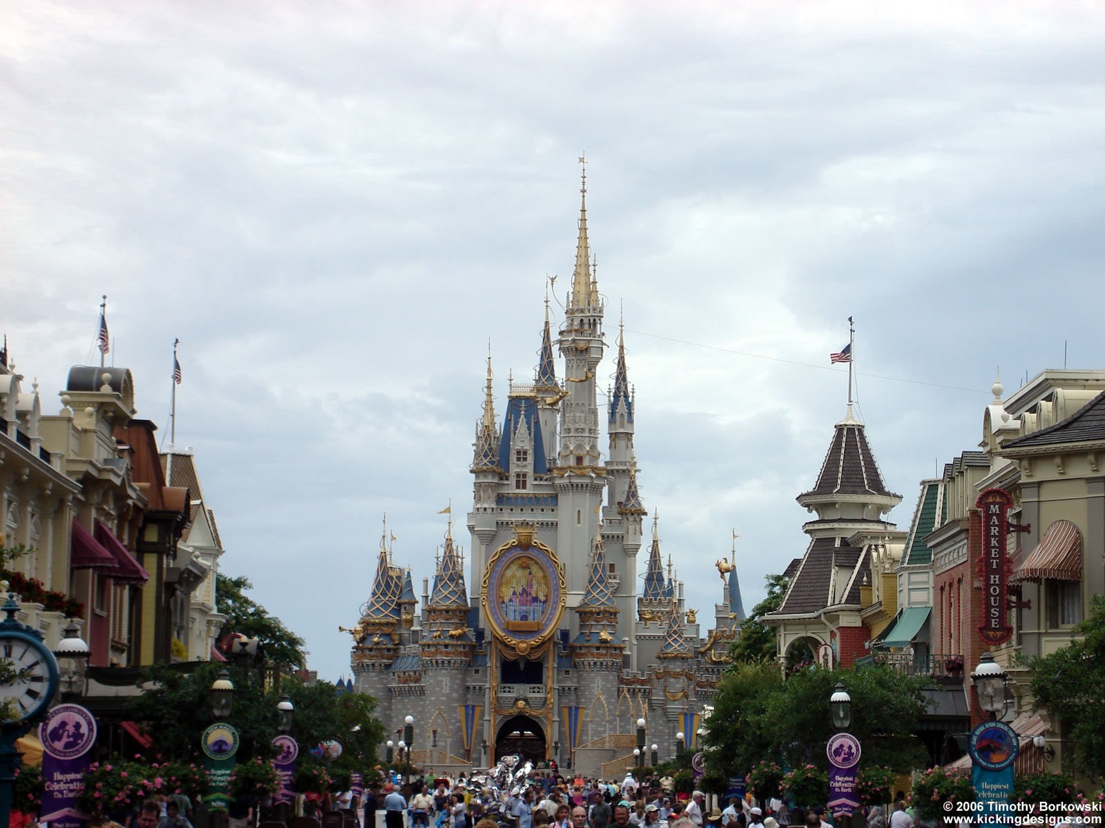 kickingdesignscomwallpaperarchivedwalt disney worldmagic kingdom 1600x1200