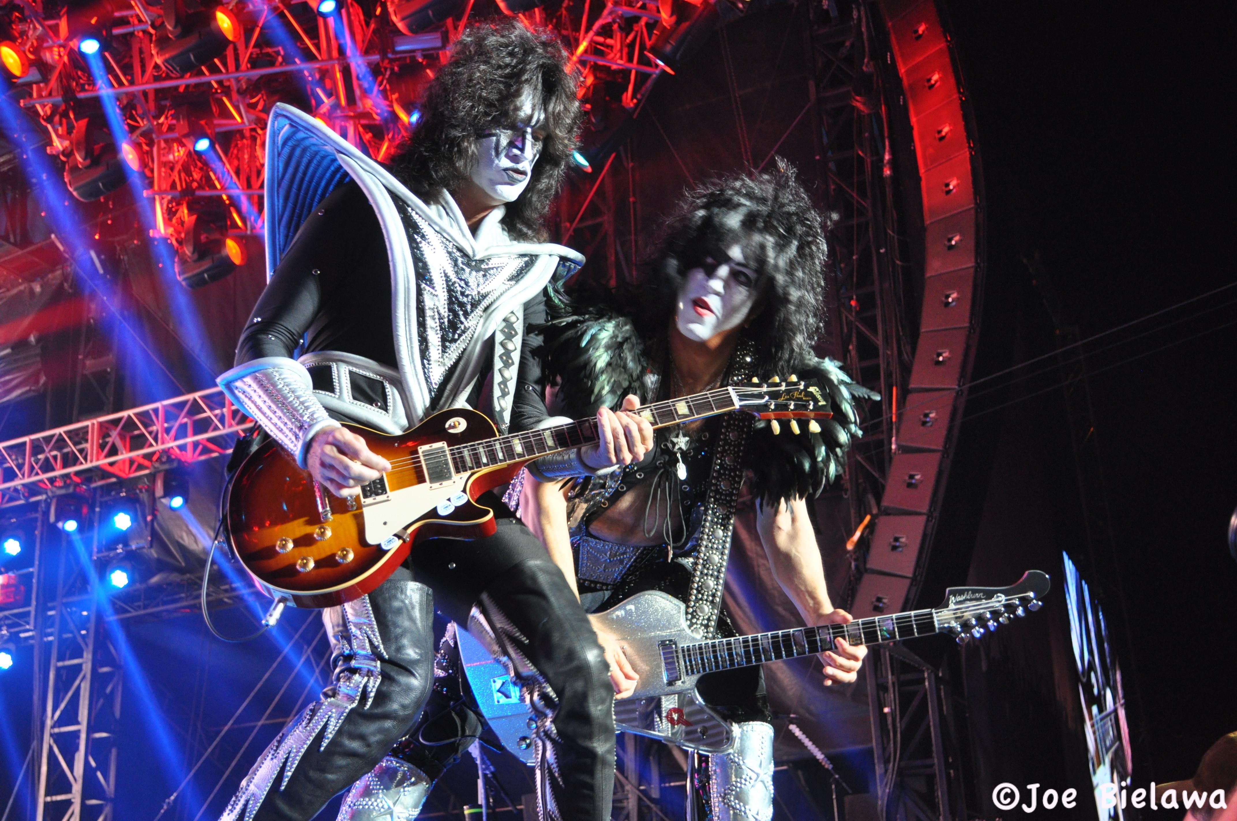 Kiss heavy metal rock bands concert guitar s wallpaper background 4288x2848