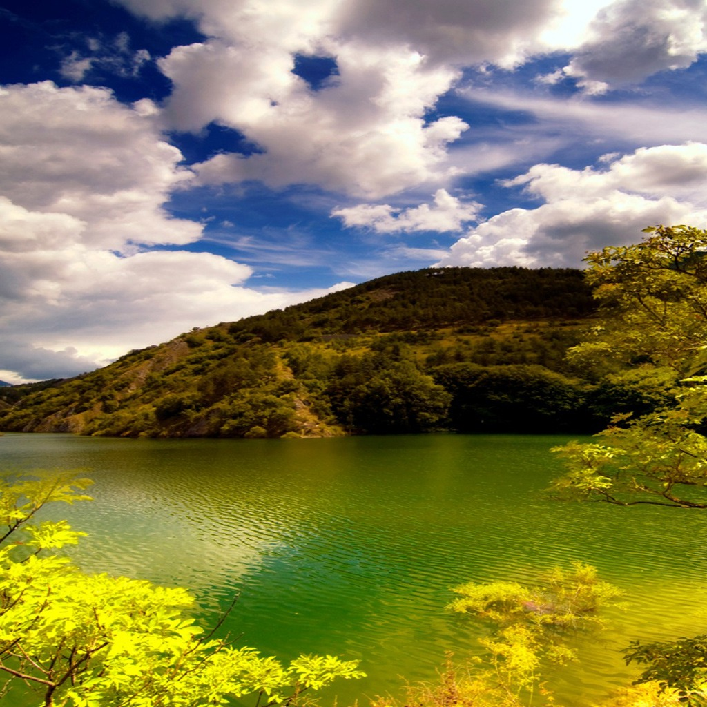 Beautiful lake download wallpapers for iPad 1024x1024
