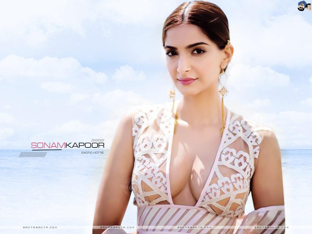 Sonam Kapoor Wallpaper 61 1024x768