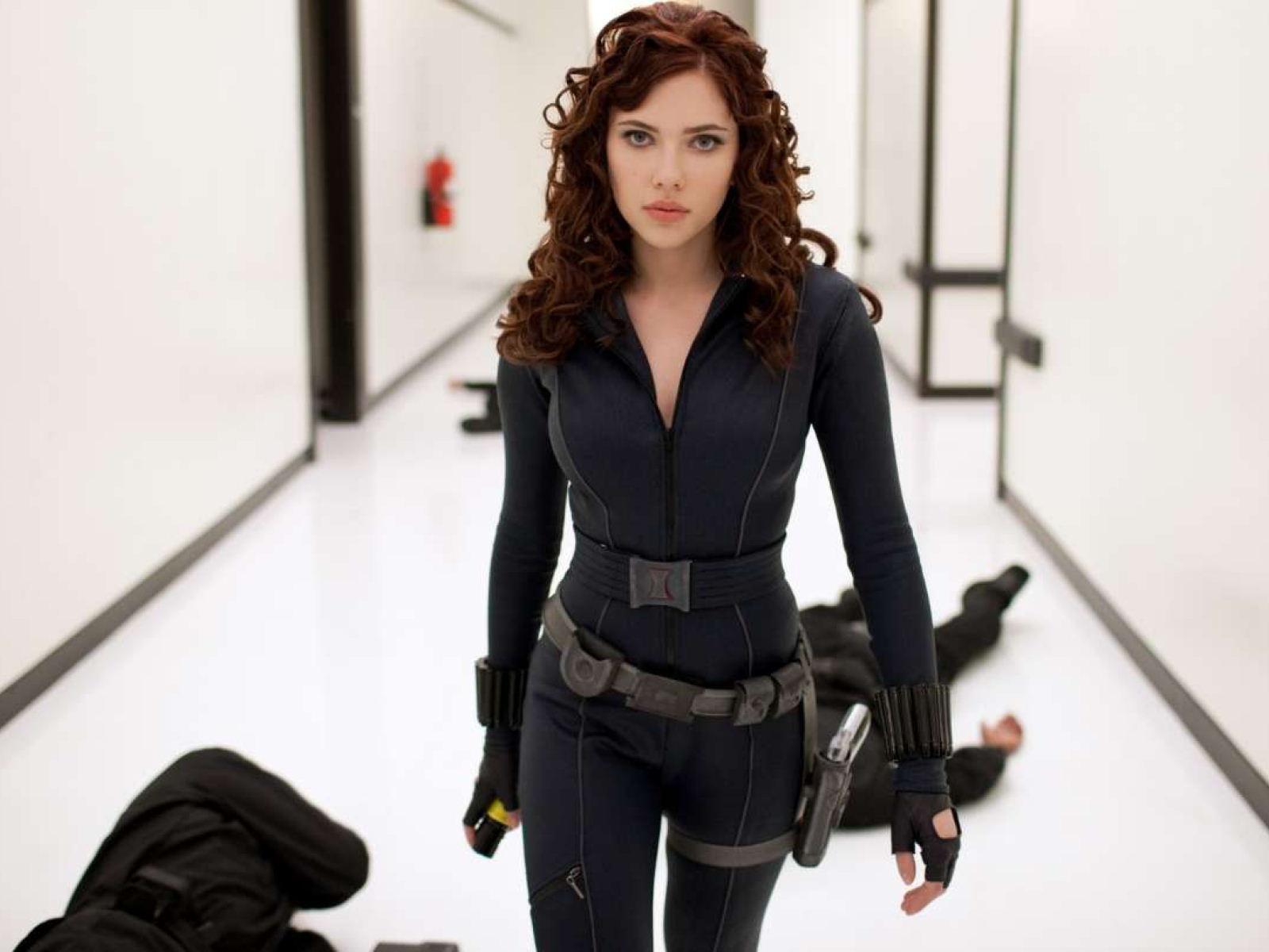 HD Wallpapers Black Widow   Scarlett Johansson   The Avengers 1 1600x1200