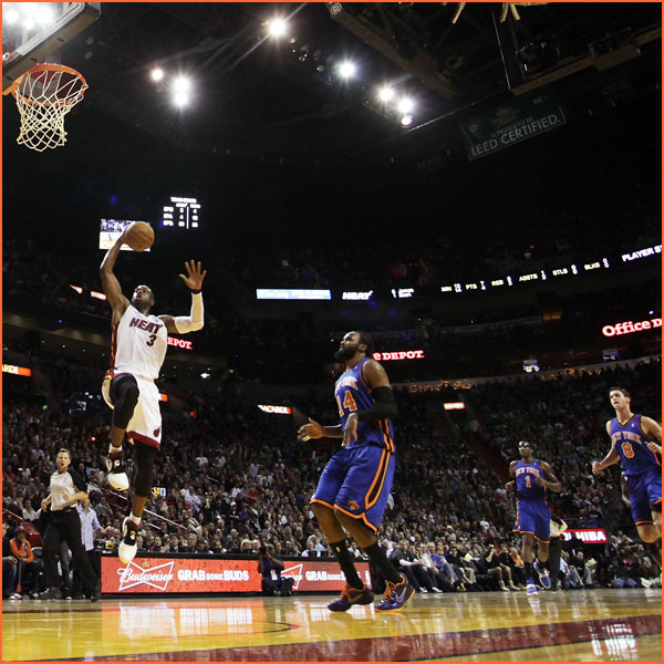 dwyane wade wallpaper dunk dwyane wade goes right to the rim for a 600x600
