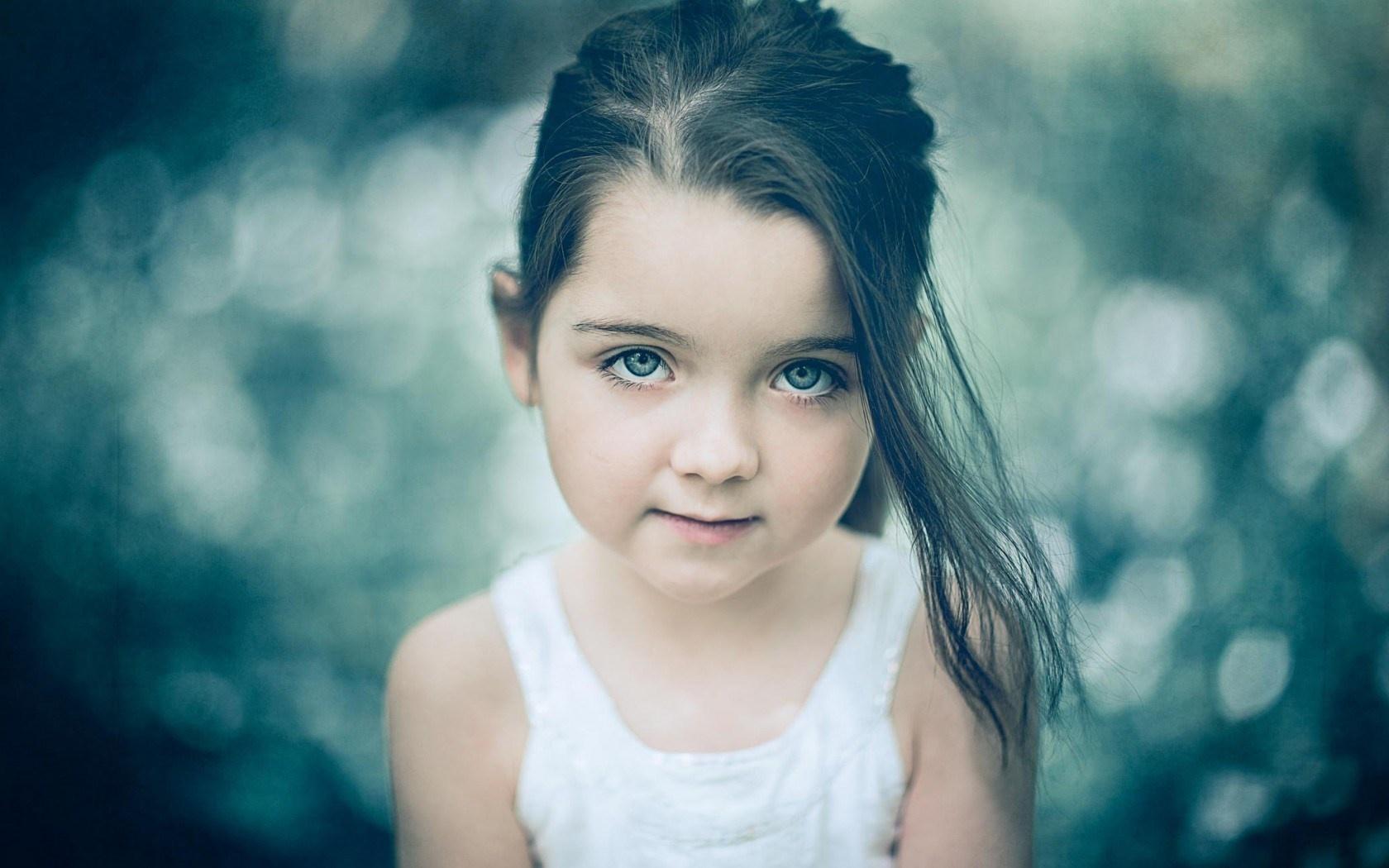 Cute Kid Girl HD Wallpaper   Stylish HD Wallpapers 1680x1050