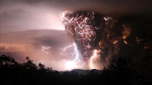 30 Wonderful Lightning Wallpapers HD Download 500x281
