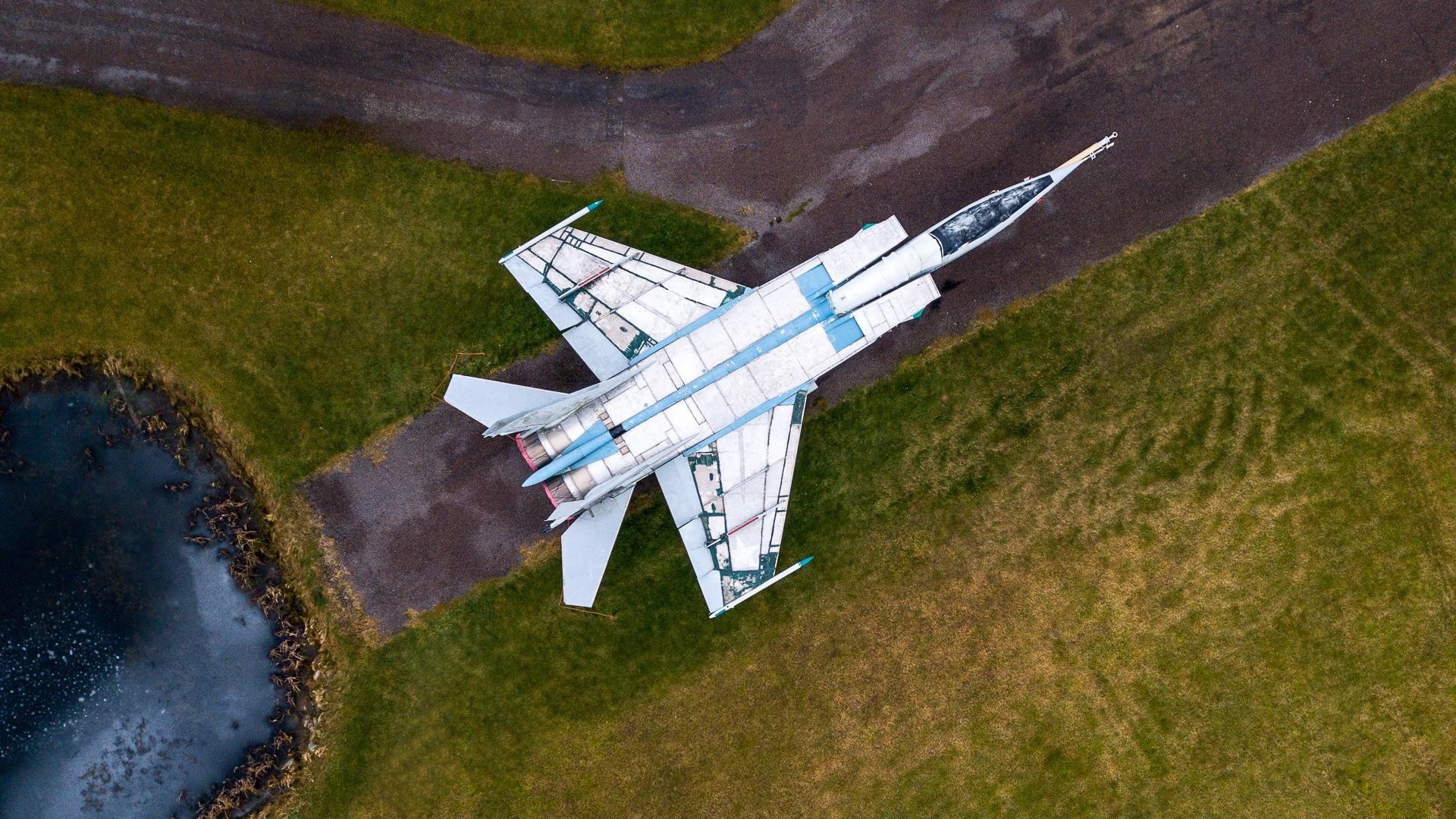Wallpaper MiG 25 Fighter top view runway 1920x1080 Full HD 2K 1920x1080