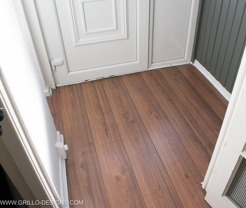 How to Wallpaper A Floor   a renter friendly alternative Grillo 1179x1000
