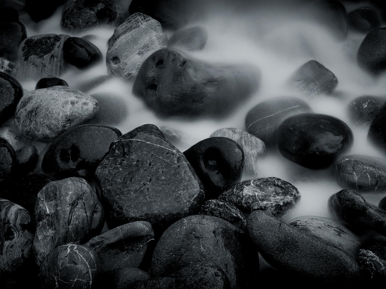 Black and White River Rocks wallpaper I hope we shall crush in 1600x1200