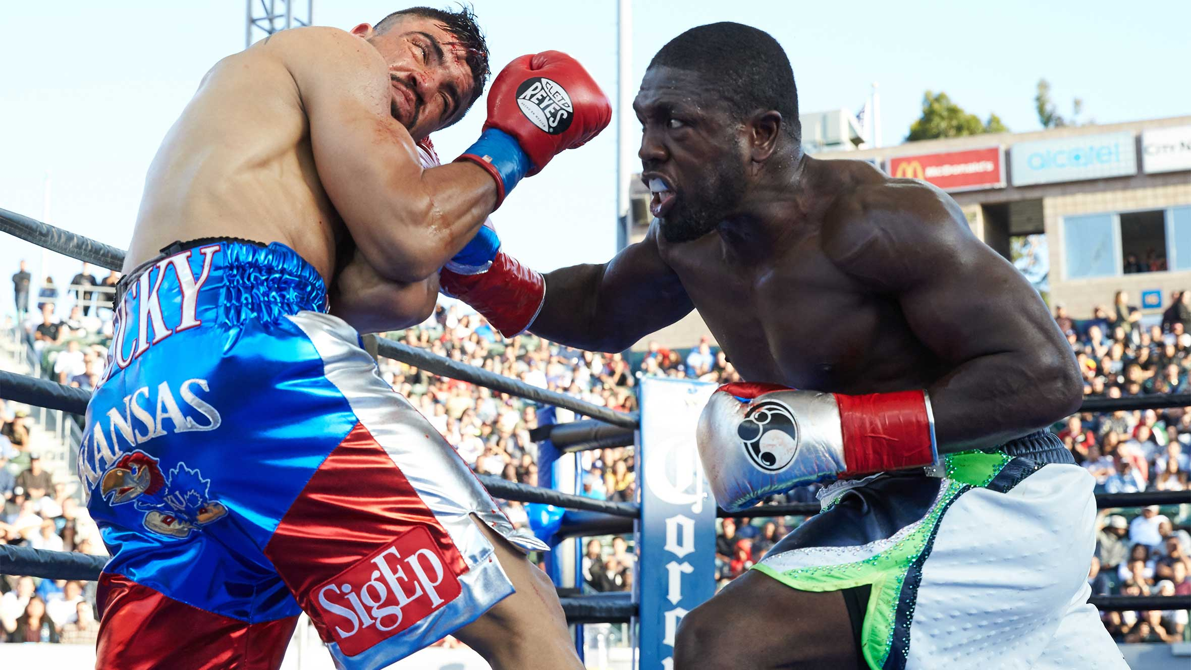 Five years later Andre Berto gets his revenge against Victor 2360x1328