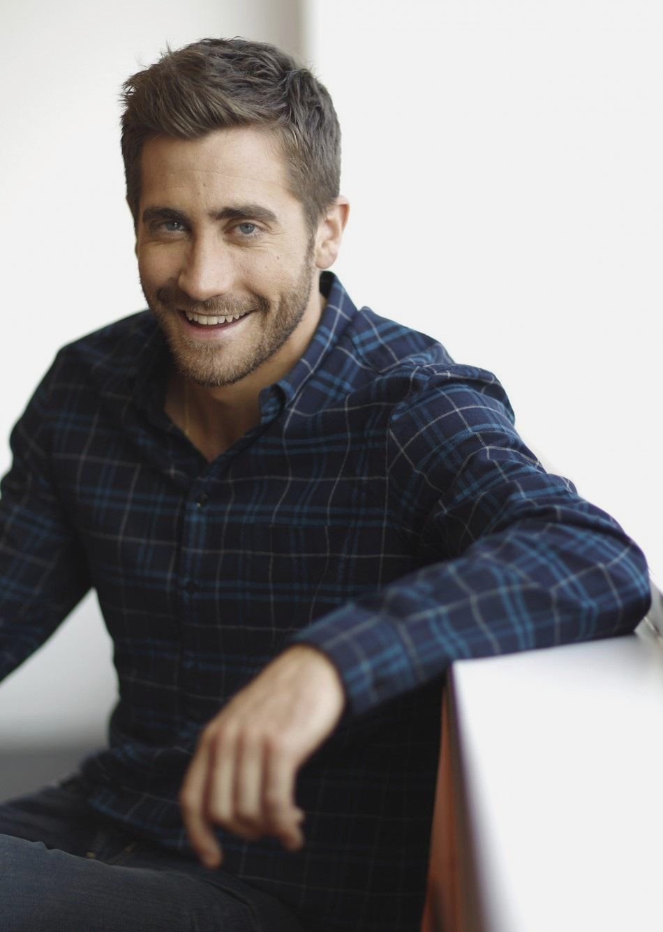 N 4192499011 jpeg v44 wallpapers Jake Gyllenhaal 950x1336