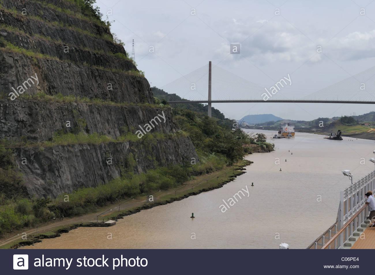 The Gaillard Cut on the Panama Canal with the Centennial Bridge 1300x953