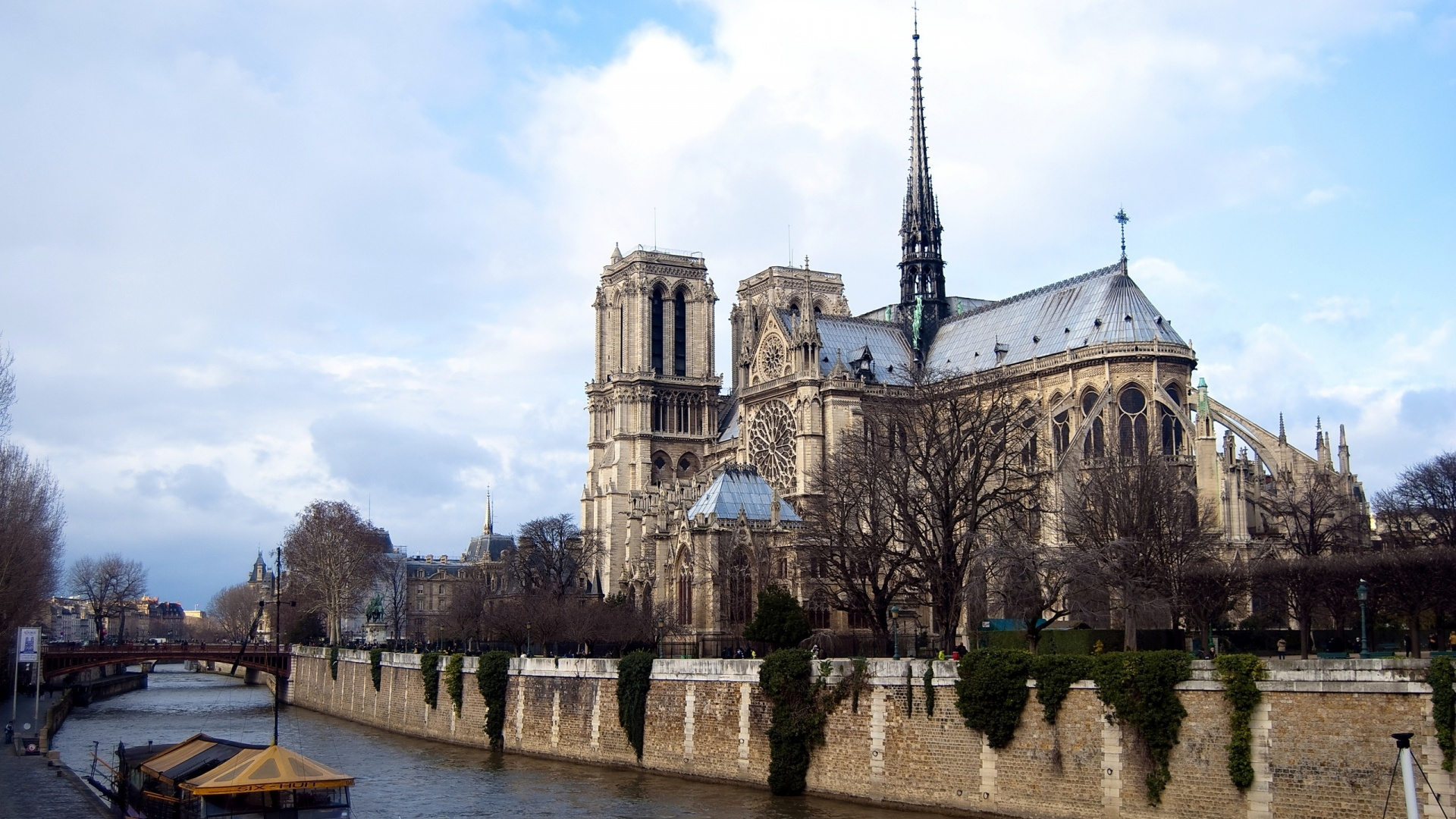 1920x1080 Notre Dame de Paris desktop PC and Mac wallpaper 1920x1080