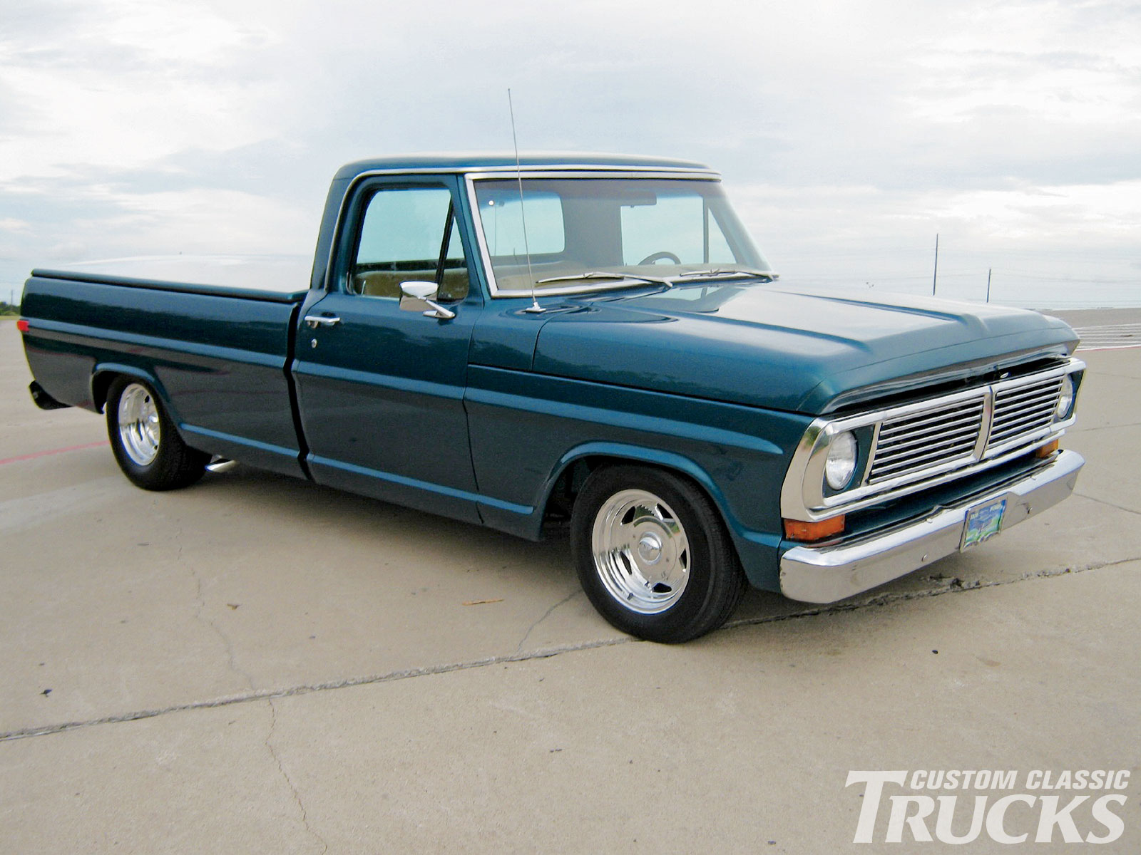 1970 ford f100 pickup truck restored vintage truck HD Background 1600x1200