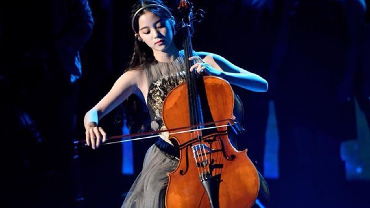 Who is Nana Ou yang Meet the first Asian to perform at 1280x720