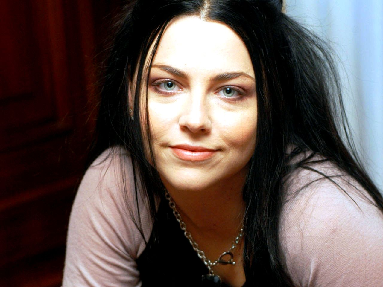 Amy Lee images Amy Lee wallpaper photos 31680640 1280x960
