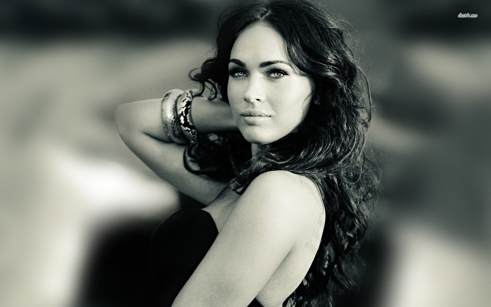 Megan Fox wallpaper 1366x768 Megan Fox wallpaper 1680x1050 Megan Fox 1680x1050