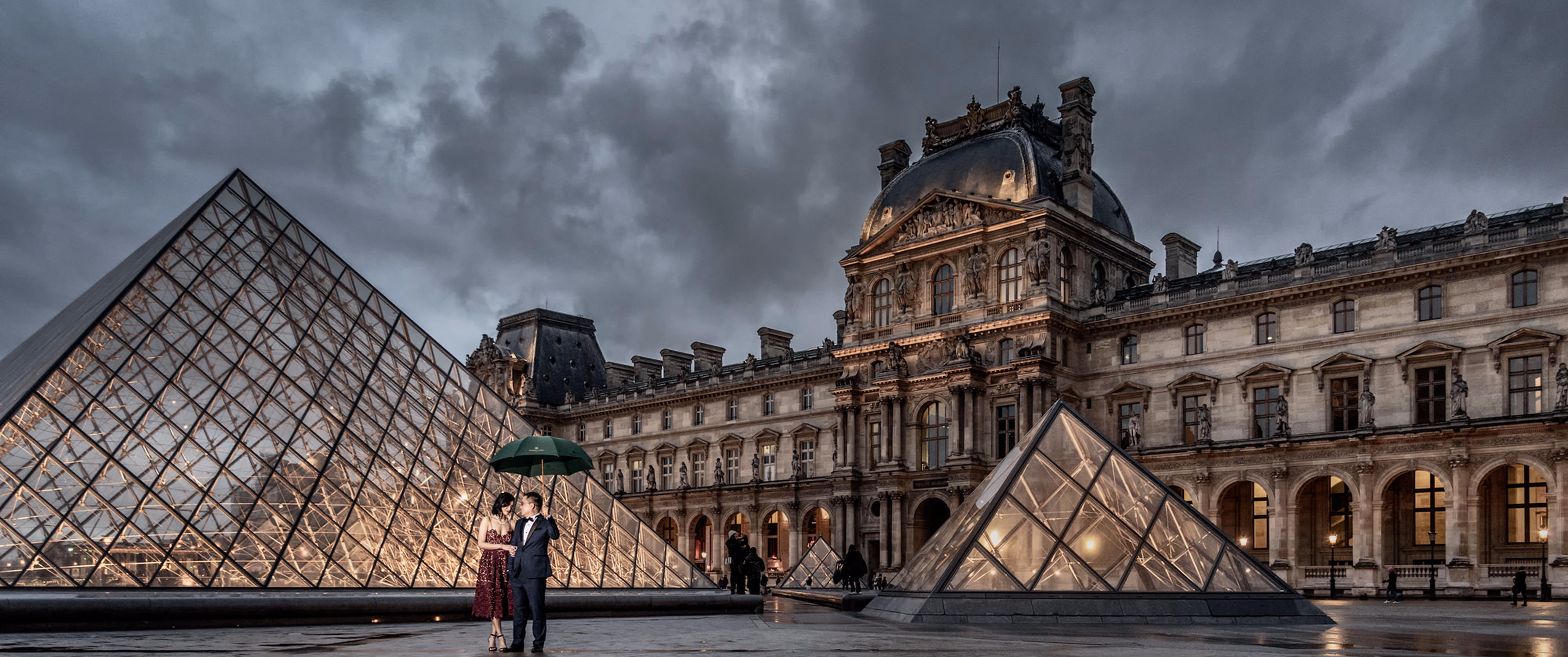 Download Louvre Museum Paris Pre Wedding for UWQHD Wallpaper 3440x1440