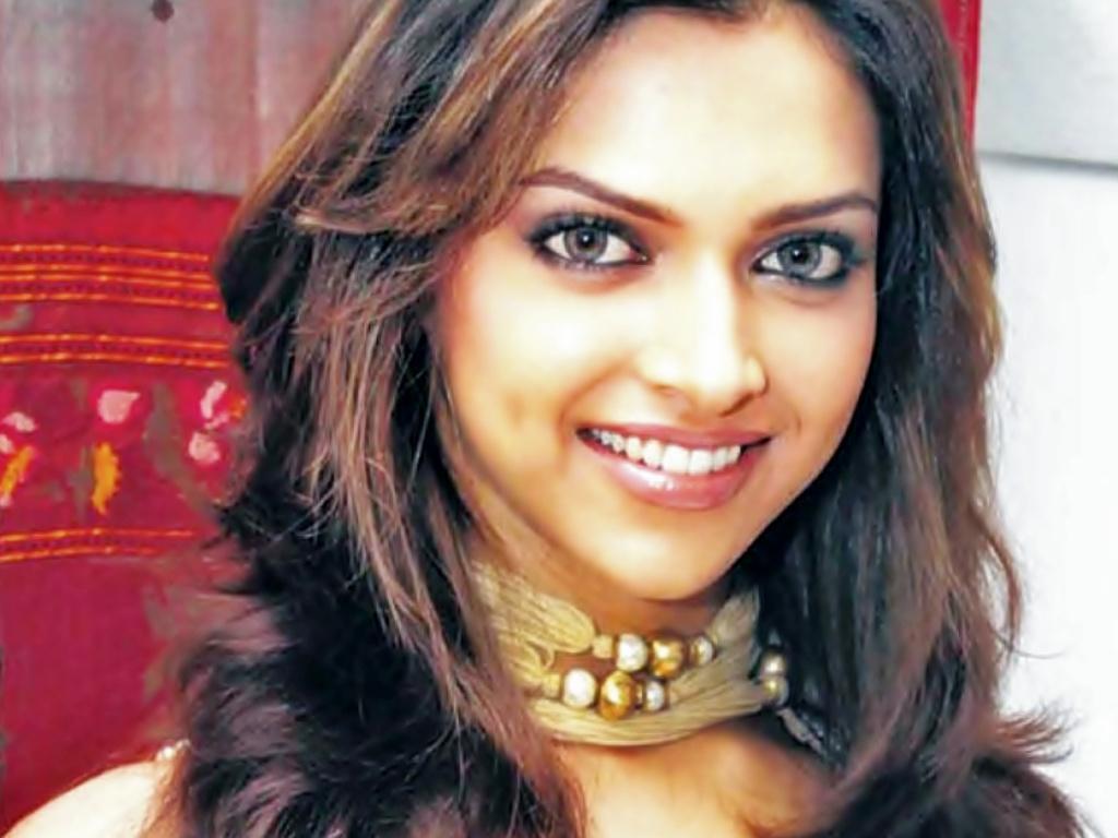 Deepika Padukone   bollywood actress Wallpaper 20104349 1024x768