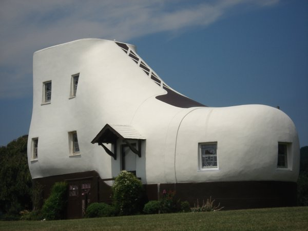 The Shoe House nr Lancaster PA Photo 600x450