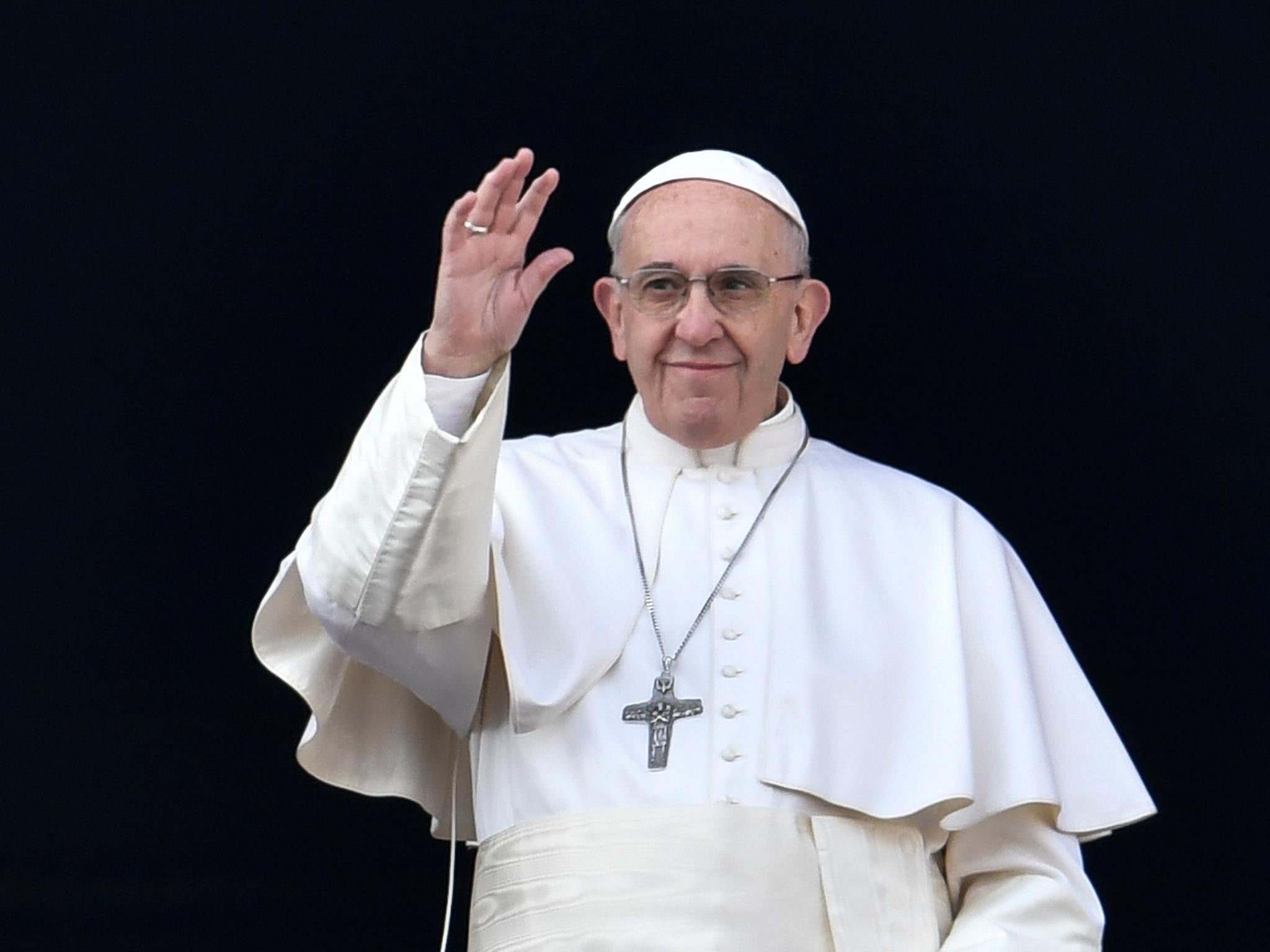 Pope Francis targeted by fake news amid rising tensions with 2048x1536