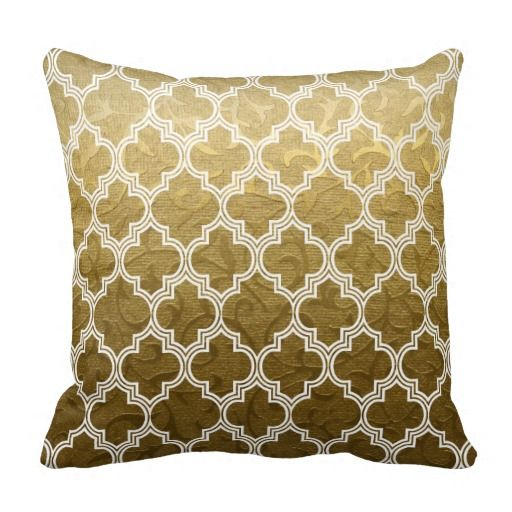 Gold brocade white quatrefoil Moroccan lattice trellis pattern throw 512x512