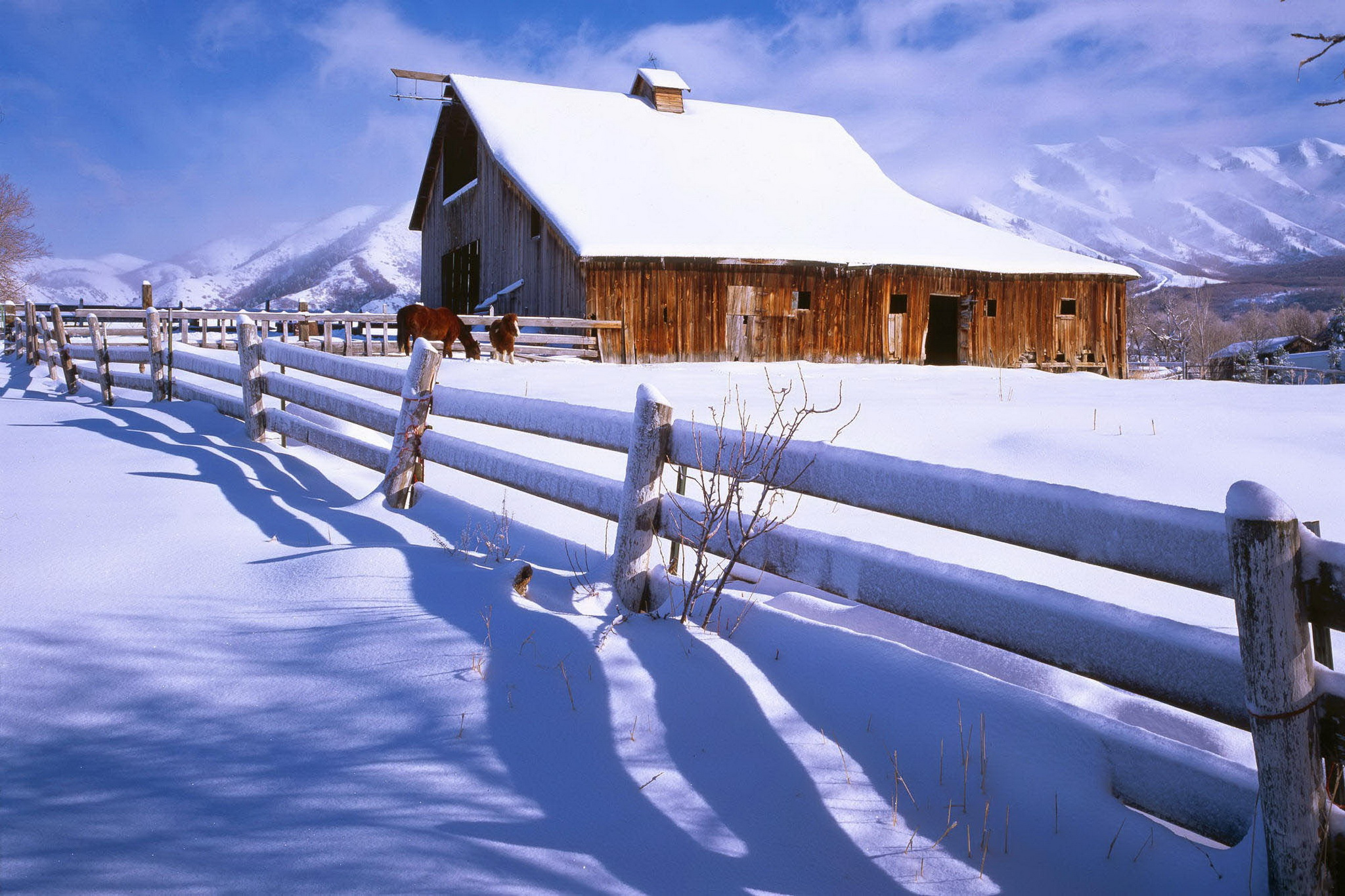 Farm in winter 2048 x 1365 Nature Photography MIRIADNACOM 2048x1365