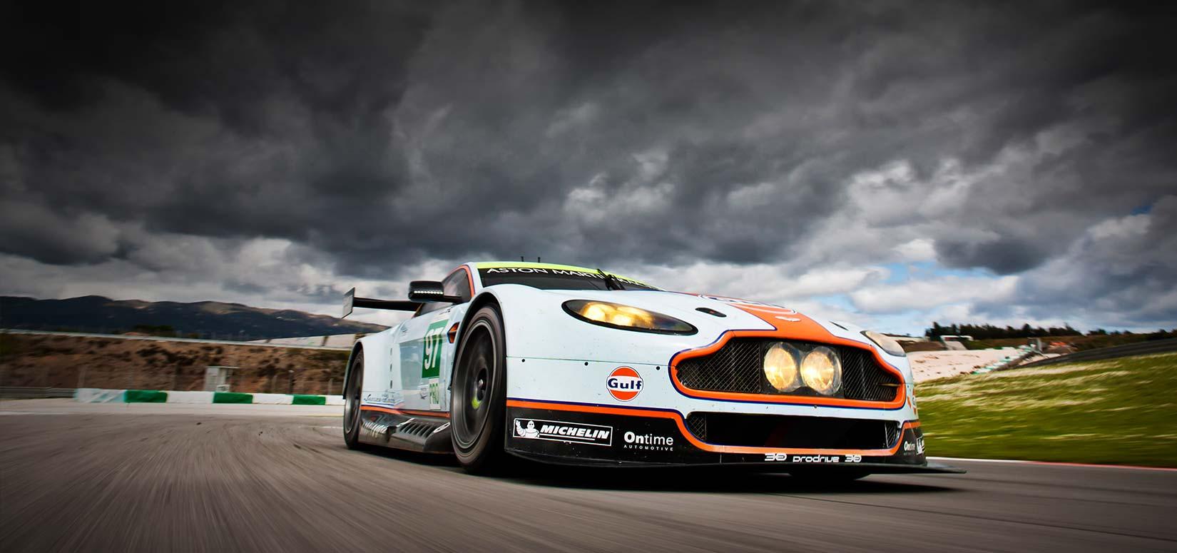 Thunderhill Race Car Wallpaper: Racing Desktop Wallpaper