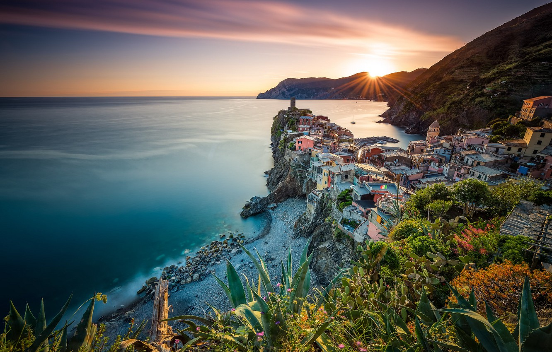 Wallpaper Italy panorama coast Cinque Terre sea Vernazza 1332x850