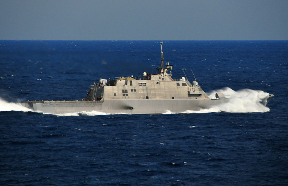 uss freedom 920 15 USS Freedom LCS 1 in high res 25 HQ Photos 919x592
