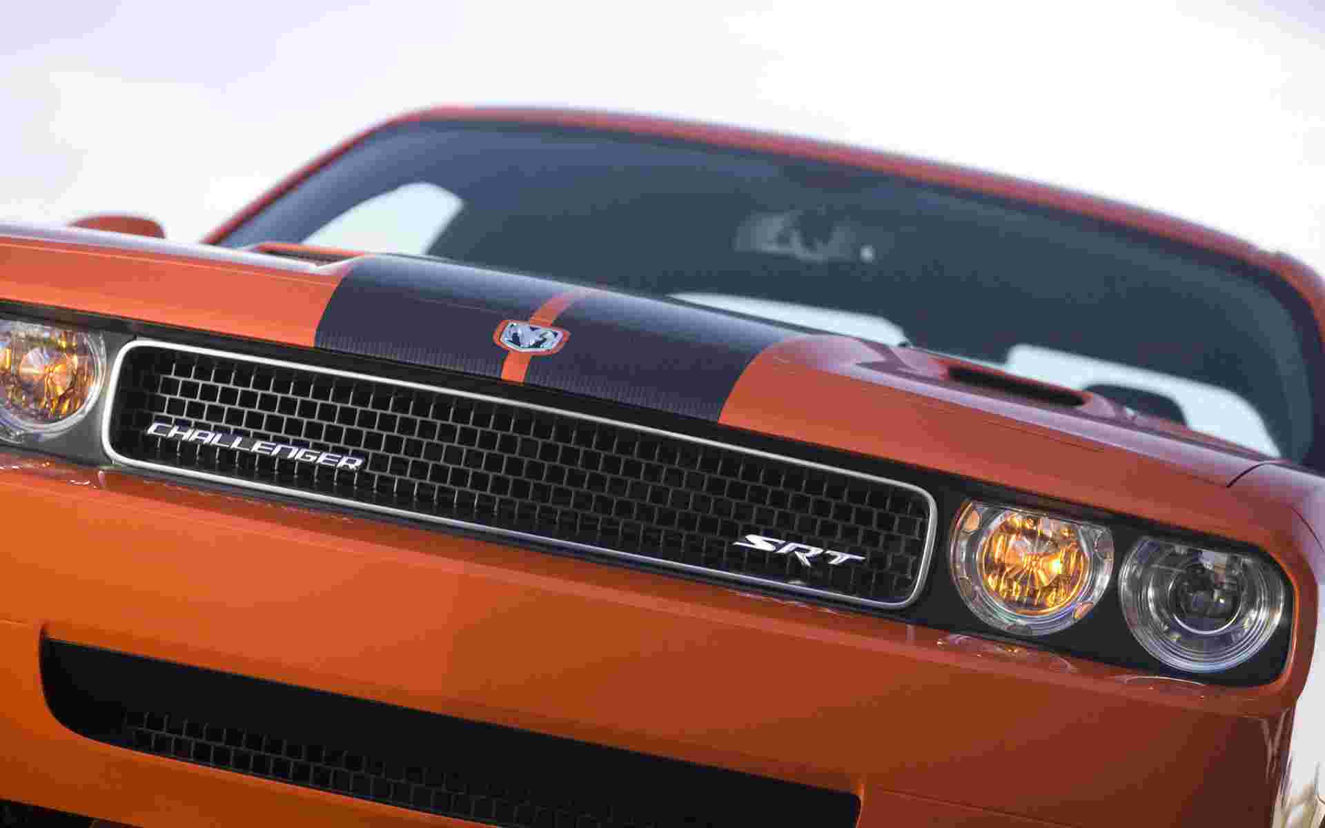 dodge challenger srt8 widescreen 085222 wallpaper   Dodge   Auto Moto 1920x1200