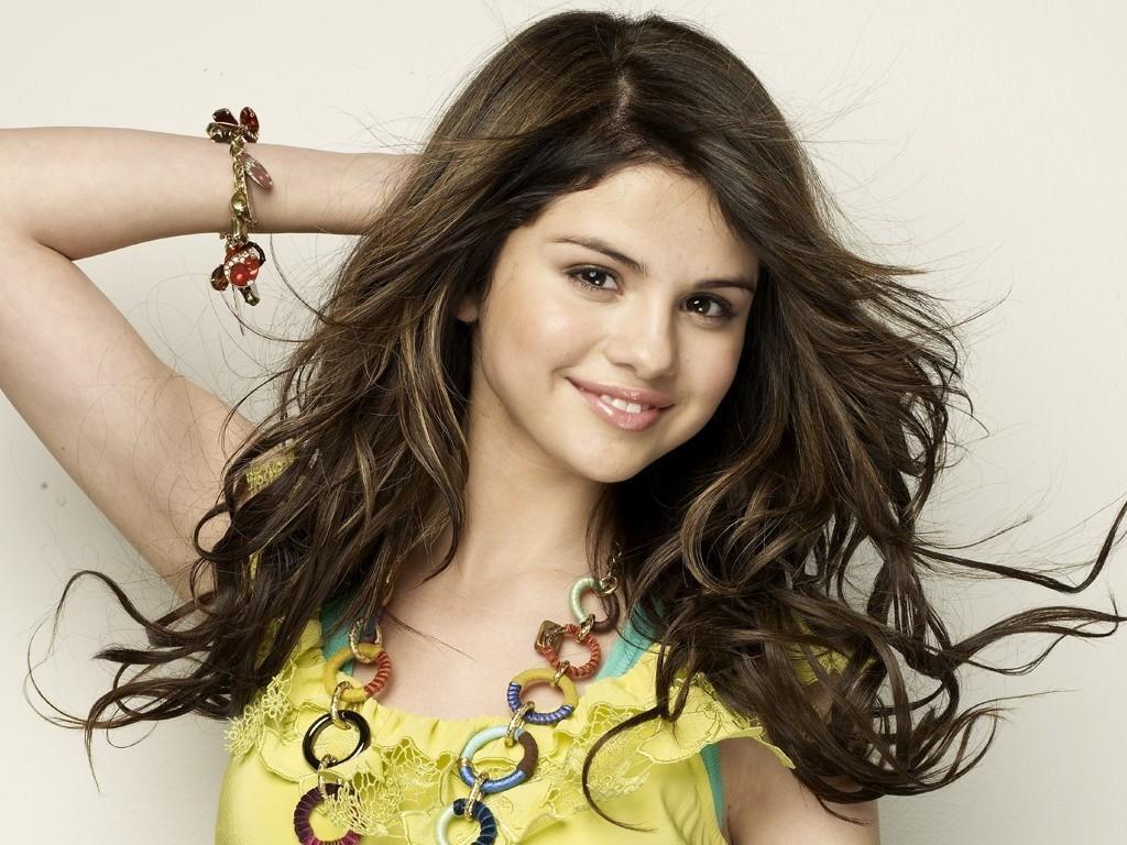 Selena Wallpaper   Selena Gomez Wallpaper 18600921 1024x768