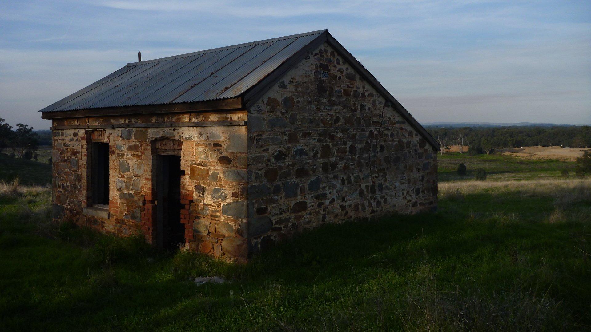 Old farmhouse at sunset 1920x1080
