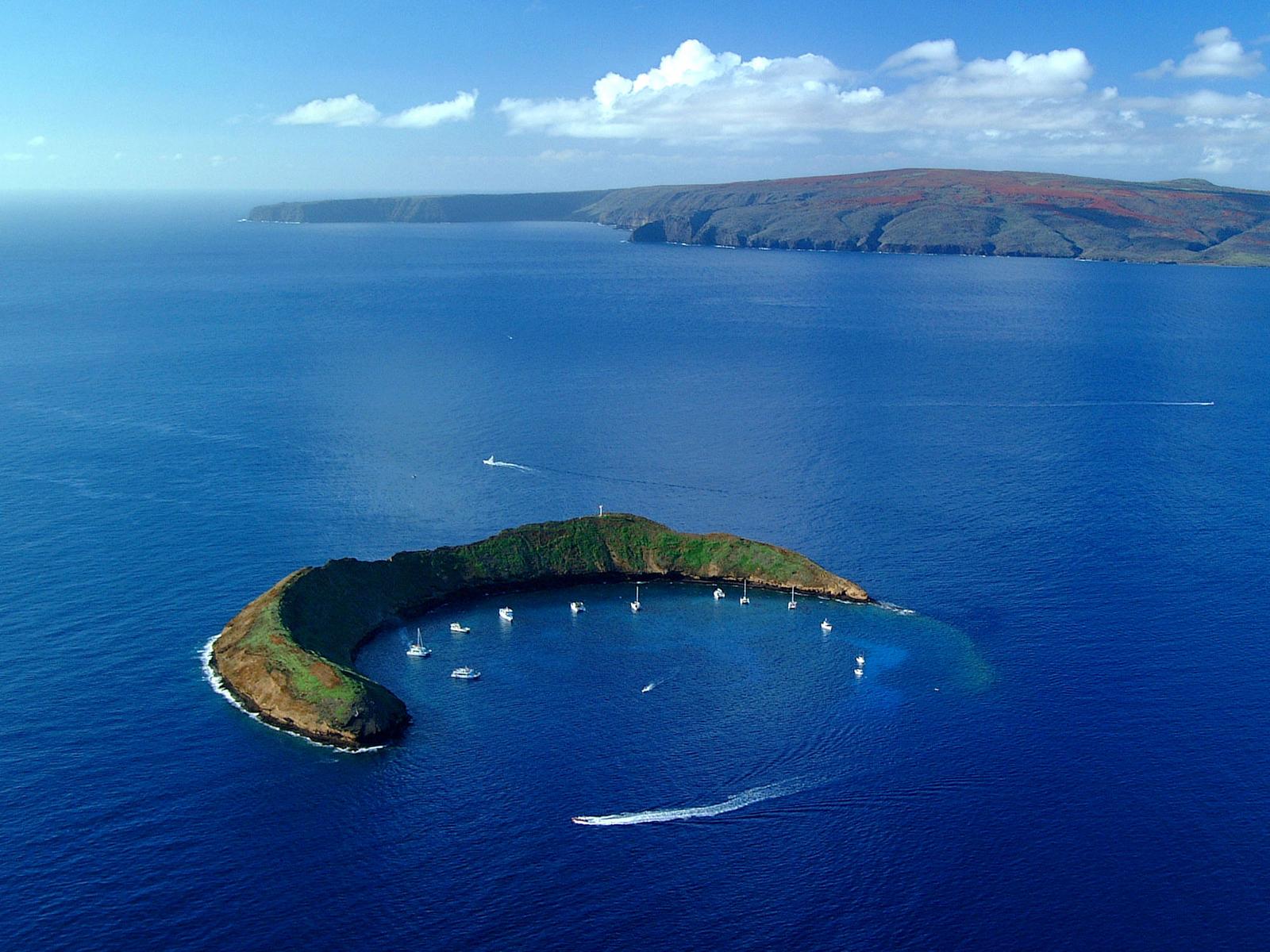 Molokini Crater Maui Wallpaper The Desktop Wallpaper 1600x1200