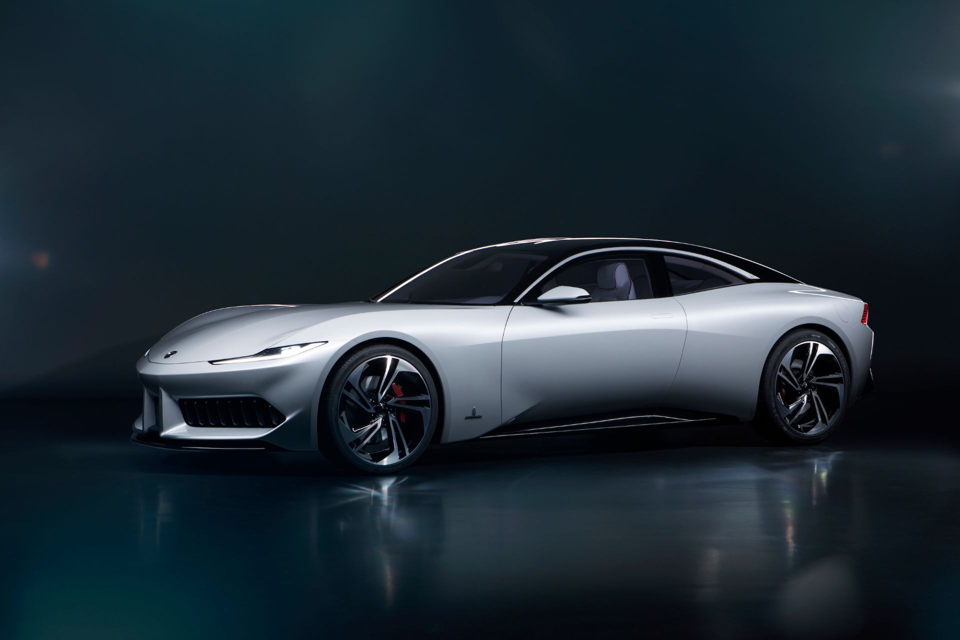 Karma looks to the future with Pininfarina GT and Vision concepts 1920x1280