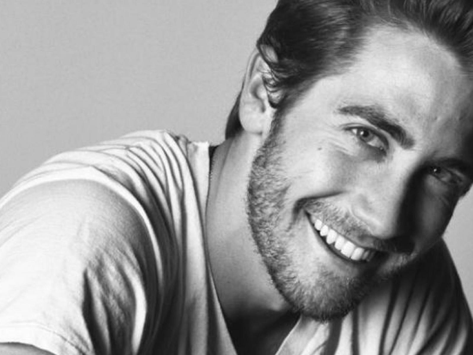 Jake Gyllenhaal Wallpaper 5   2560 X 1320 stmednet 1600x1200