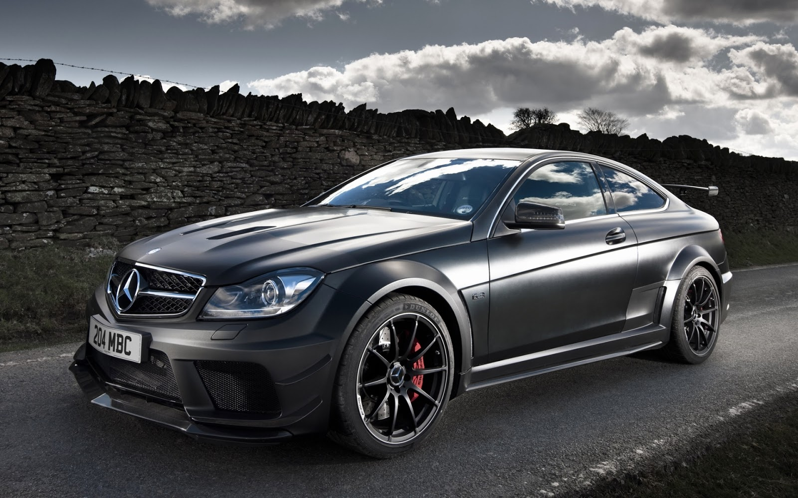 Mercedes Benz C63 HD Wallpapers 1600x1000