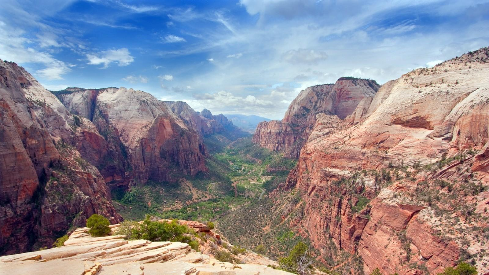 Utah landing zion national park skies ravine wallpaper 78892 1600x900