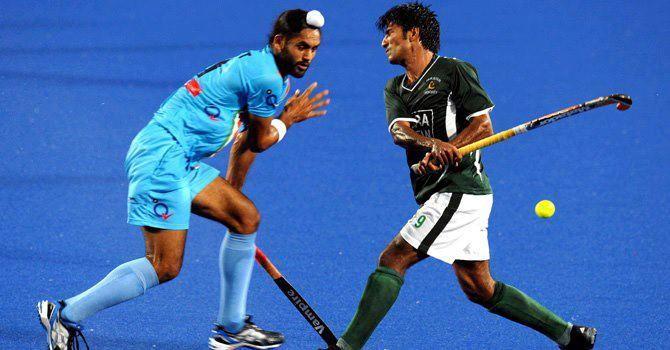 Download Photos Wallpapers Pakistan Hockey Team Wallpaper 2012 670x350
