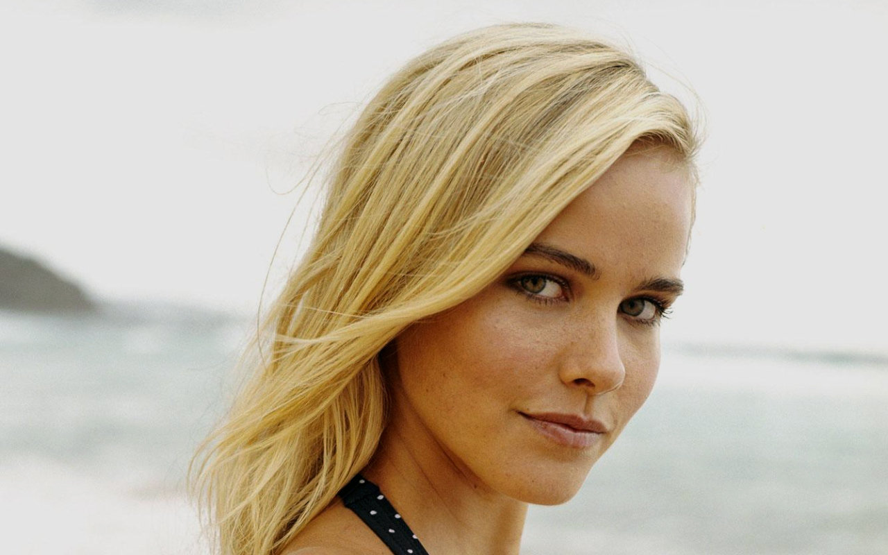 Isabel Lucas   Isabel Lucas Wallpaper 7900394 1280x800