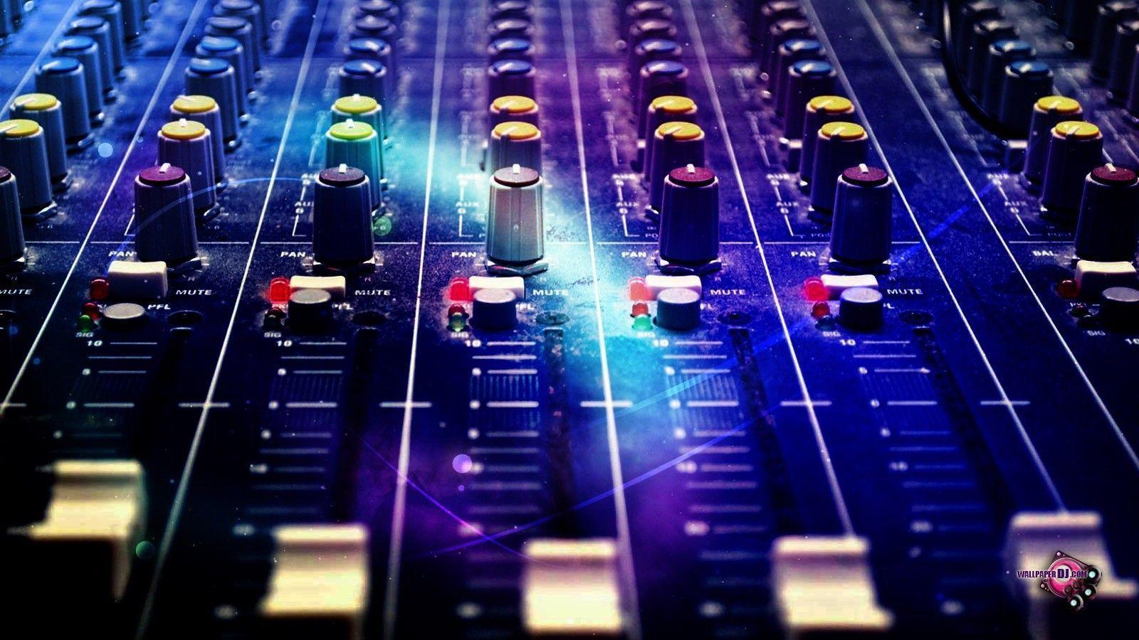 DJ Mixer Wallpapers 1600x900