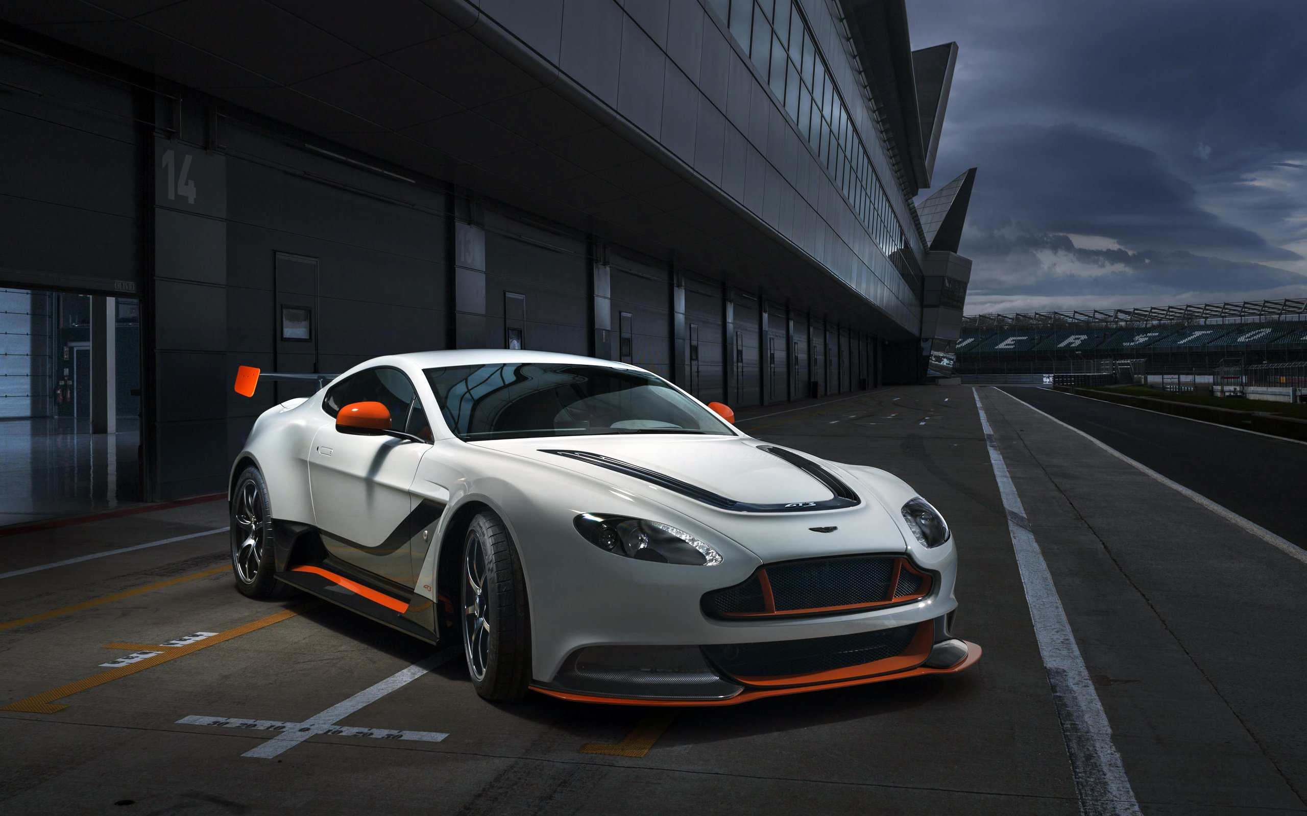 Aston Martin Vantage GT3 HD Wallpaper Background Image 2560x1600
