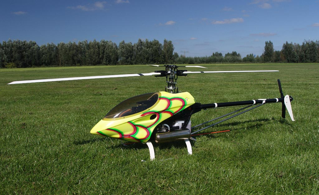 thunder tiger raptor radio controlled rc helicopter   wouter pasman 1024x627