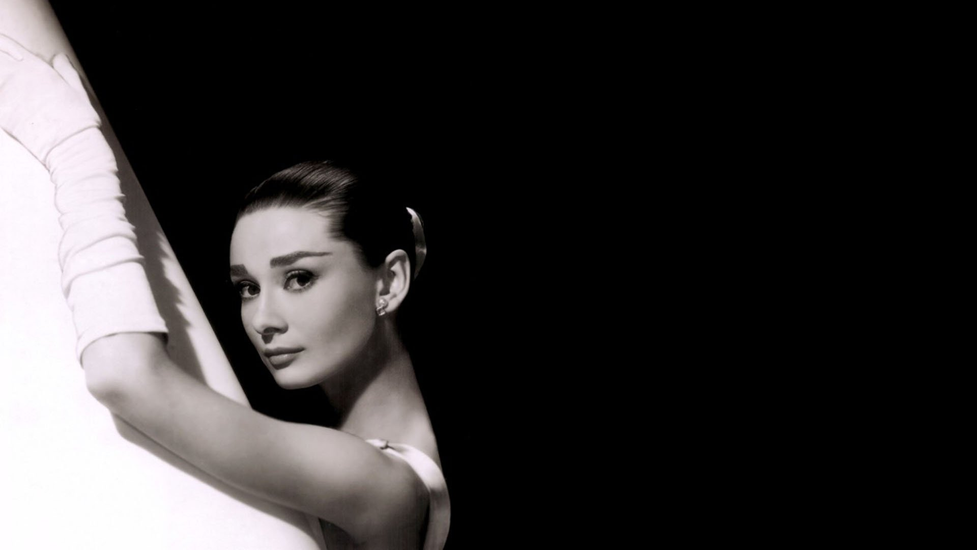 Audrey Hepburn Backgrounds   Wallpaper High Definition 1920x1080
